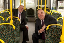(l-r) Aberdeen city council leader Barney Crockett and Scottish First Minister Alex Salmond (Pic credit: Aberdeen city council)
