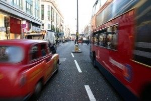A high proportion of people in cities are being exposed to pollutant levels above EU and World Health Organisation (WHO) standards, the EEA report argues