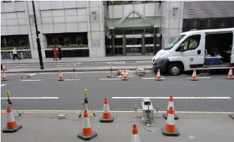 Air quality measurements being taken on Aldersgate Street, London (photograph: Glyn Rhys-Tyler)