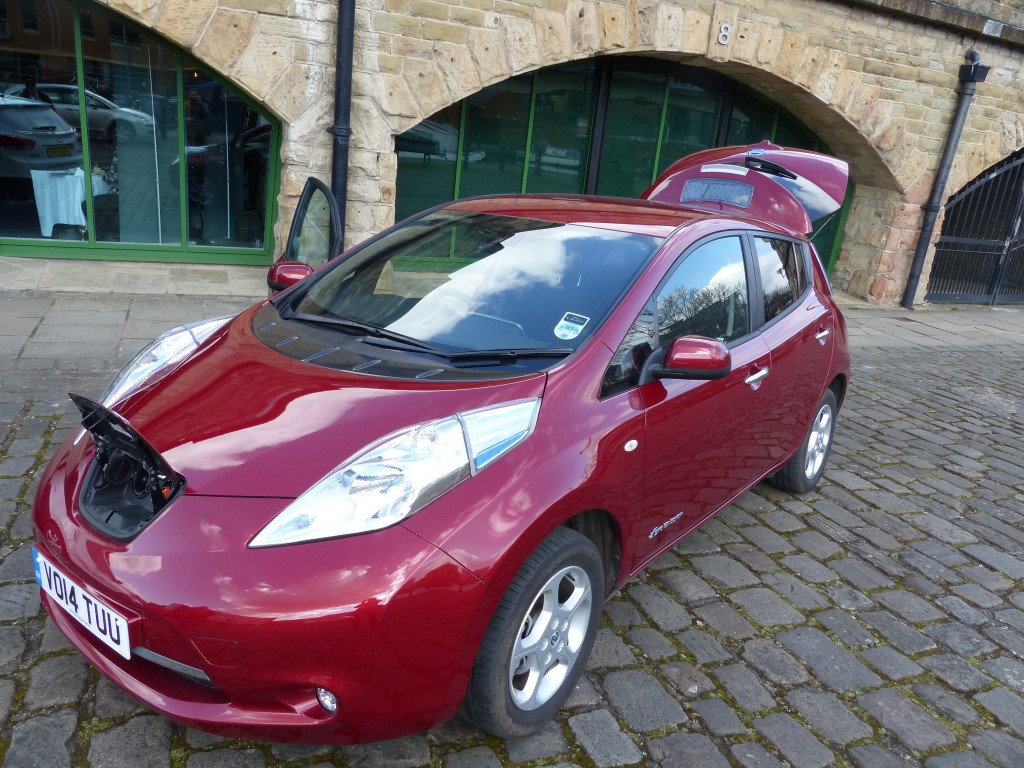 Nissan reaches 10,000 Leaf electric car sales in UK - Air Quality News