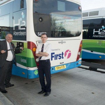 (L-R) First Aberdeen commercial manager Daniel Laird, Aberdeen councillor Barney Crocket and Stagecoach North Scotland depot controller Daryl Mitchell