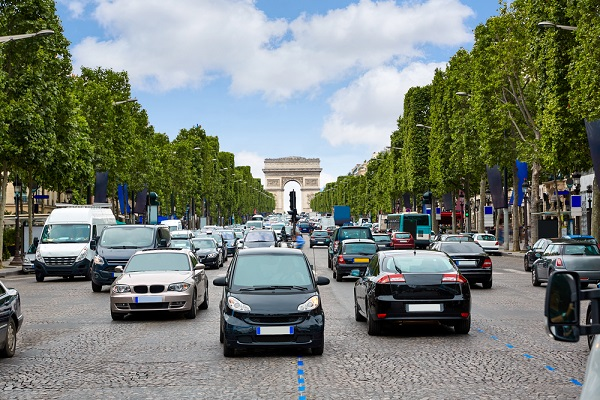 The French government is looking to end the sale of new petrol and diesel cars by 2040 it has said
