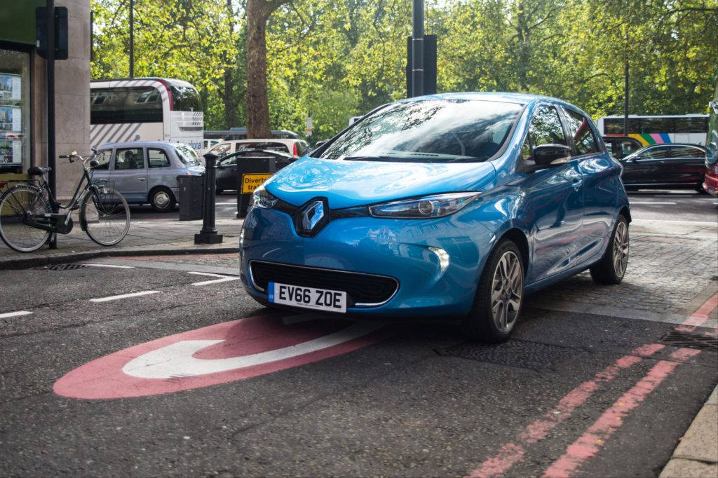 renault trails more powerful zoe air quality news. Black Bedroom Furniture Sets. Home Design Ideas