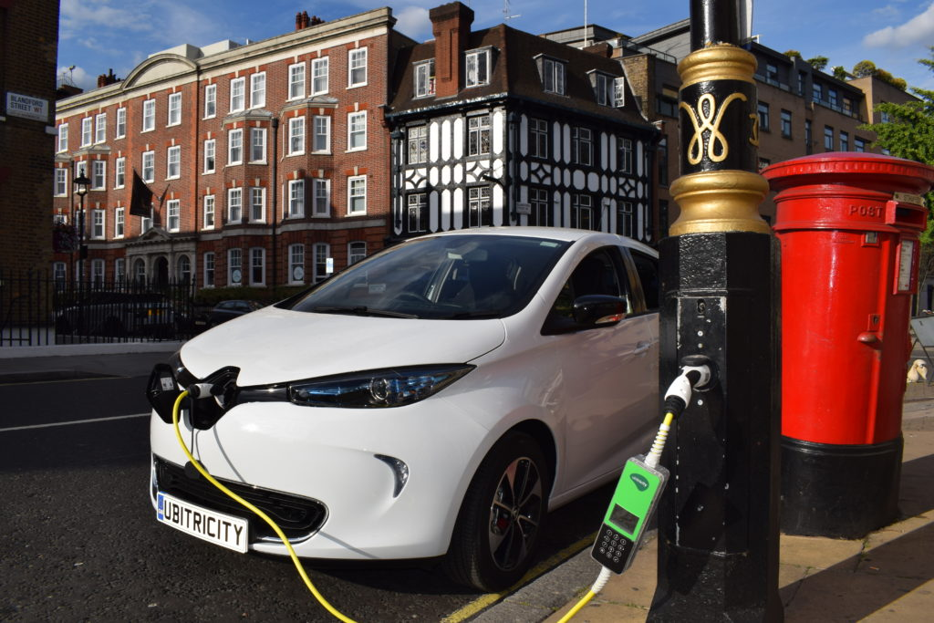 1000 Ev Charge Points Installed On London S Lamp Posts Air Quality